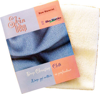 Microfibre towels and skin cloths